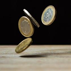 falling coins online casino bonus